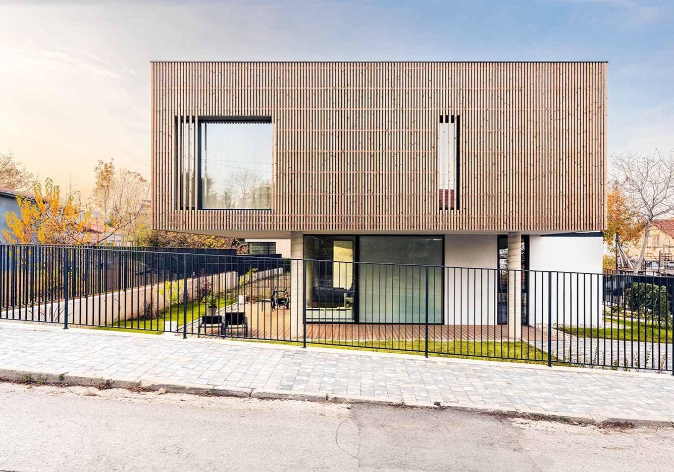 Y House in Samokov by MMXX architects
